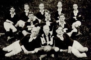 Vereinsgeschichte(n)